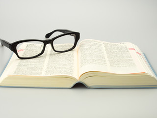 glasses dictionary