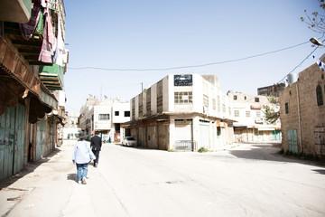 Hebron old city jewish qauter streets between jews and arabs