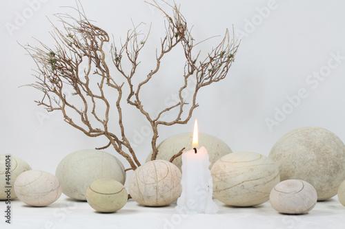 runde steine zweige und kerze stockfotos und lizenzfreie bilder auf bild 44946104. Black Bedroom Furniture Sets. Home Design Ideas