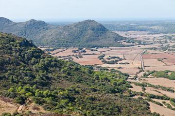 Landschaft von Menorca vom Castell de Santa Agueda