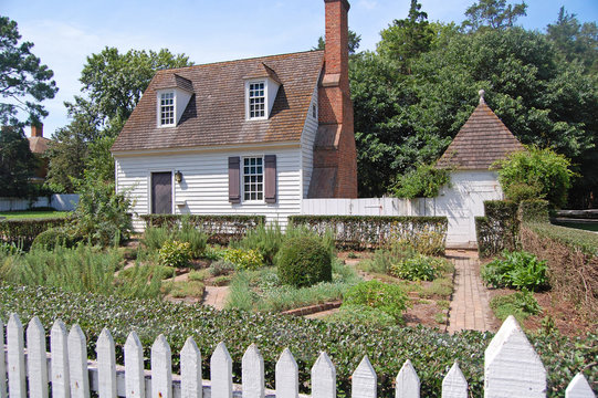 Williamsburg colonial house