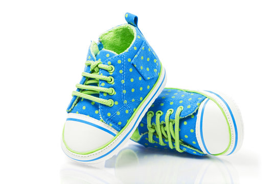 Spotted baby sneakers