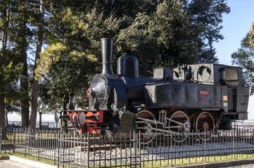 Monumento: antica locomotiva
