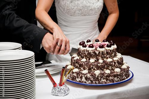 Hochzeitstorte Anschneiden Stockfotos Und Lizenzfreie Bilder Auf