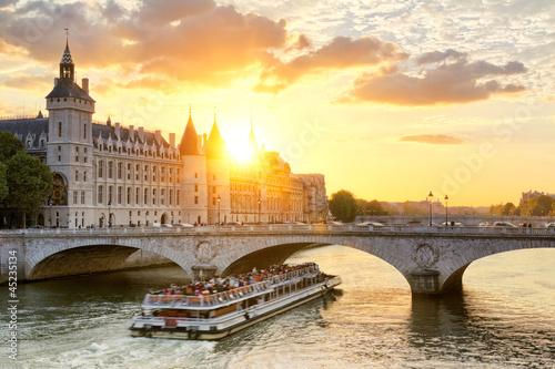 Canvas Prints Paris, Conciergerie