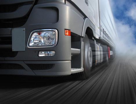Fahrender Lastwagen