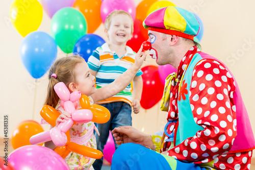 Клоуна детский праздник аниматоры в школу Бумажная просека