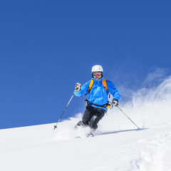 Wall Mural - Skifahren in frischem Pulverschnee