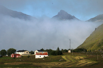 Wall Mural - Lofoten's house and foggy ountains