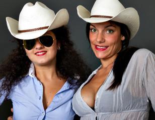 two italian women with hats