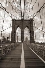 Photo sur Aluminium Bestsellers Brooklyn Bridge in New York City. Sepia tone.