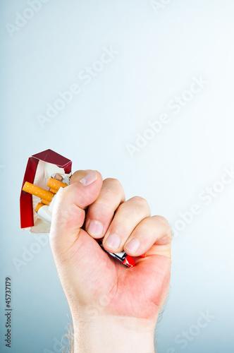 Nikotinsucht • Definition & Folgen