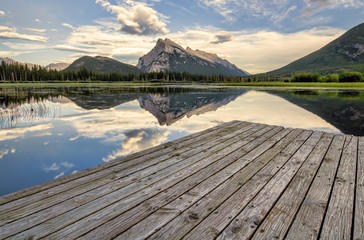 Fotomurales - Vermilion Lakes Dock Side