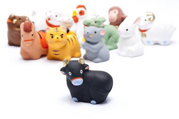 牛と十二支の正月イメージ