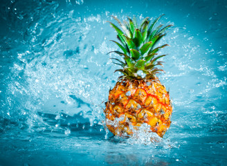 Acrylic Prints Splashing water Fresh pineapple