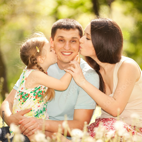 дочка с мама и мужик