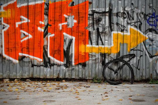 Graffiti auf Blech