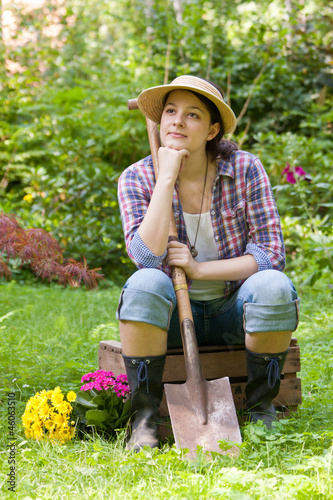 junge frau im garten young woman in a garden stockfotos und lizenzfreie bilder auf fotolia. Black Bedroom Furniture Sets. Home Design Ideas