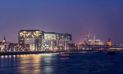 Rheinauhafen und Kölner Dom