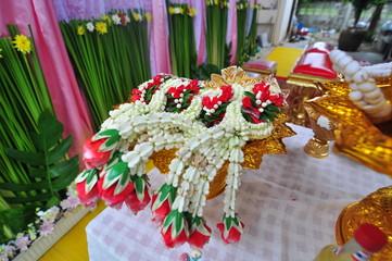 golden tray flower use for Thai wedding ceremony