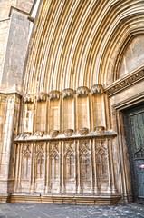 Catedral de Girona, jambas y arquivoltas de la portada sur