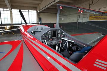 Extra 300 Cockpit