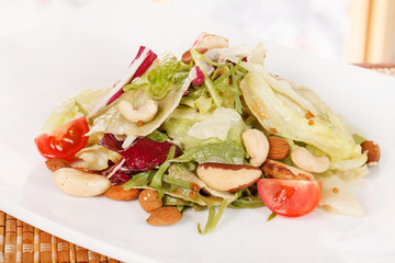 salad with nuts