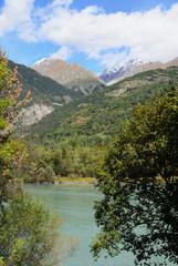 Scorcio su lago e monti a Morgex in Valle d'Aosta