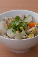 gemüse - schweinefleisch - suppe