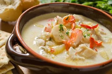 Foto op Canvas Schaaldieren Creamy seafood chowder.