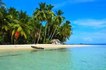 Wall Murals Caribbean Paradies - Strand auf kleiner Insel