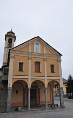 Dorfkirche in Brione sopra Minusio, Tessin, Schweiz