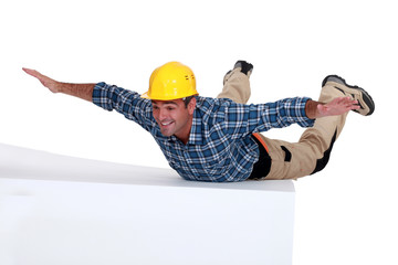 Builder free-falling