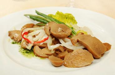 Marinated sliced mushrooms