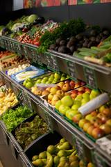fruits et légumes au supermarché