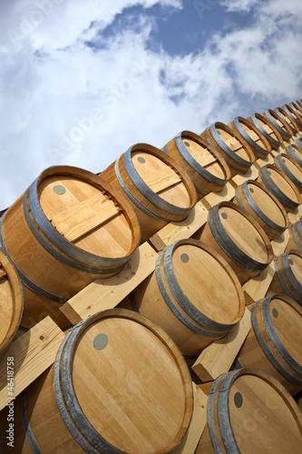 barrique tonneau f t vin bordeaux contenant bois photo libre de droits sur la banque d. Black Bedroom Furniture Sets. Home Design Ideas