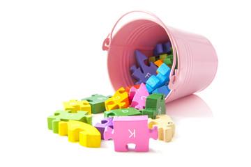 Bucket puzzle pieces