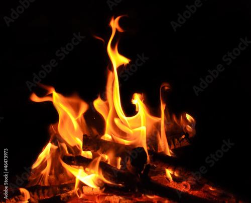 lagerfeuer offenes feuer flammen glut stockfotos und lizenzfreie bilder auf