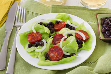 salad with black beans and sausages
