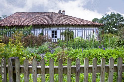 ferme maison jardin campagne landes france vert photo libre de droits sur la banque d. Black Bedroom Furniture Sets. Home Design Ideas