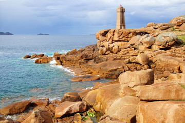 Fototapete - Panoramic view over Pink Granite Coast, France