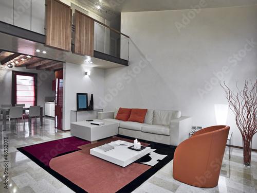 Soggiorno moderno con divano e poltrone di pelle for Cerca permesso di soggiorno