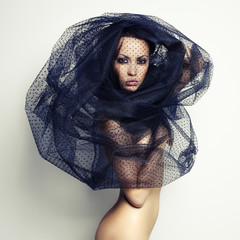 Photo sur Plexiglas Bestsellers Gorgeous lady under veil