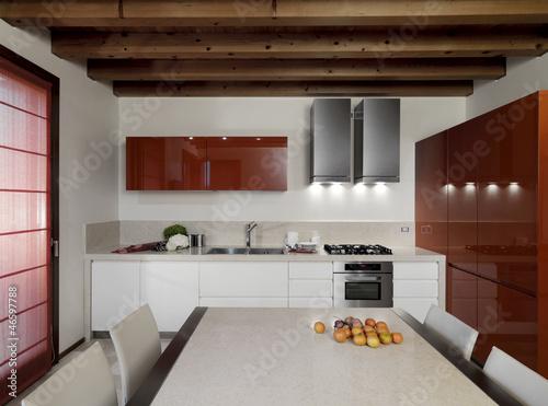 Cucina moderna con pensili laccato rosso immagini e - Abbonamento cucina moderna ...