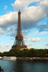 Tour Eiffel vista dalla Senna, Parigi, Francia