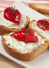 bruschetta with blue cheese and bell pepper
