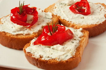 bruschetta with blue cheese and paper