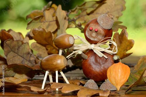 Herbstfiguren stockfotos und lizenzfreie bilder auf bild 46665375 - Deko mit kastanien ...