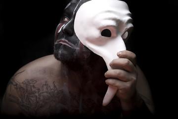 Portret z maską
