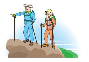 登山するシニア夫婦